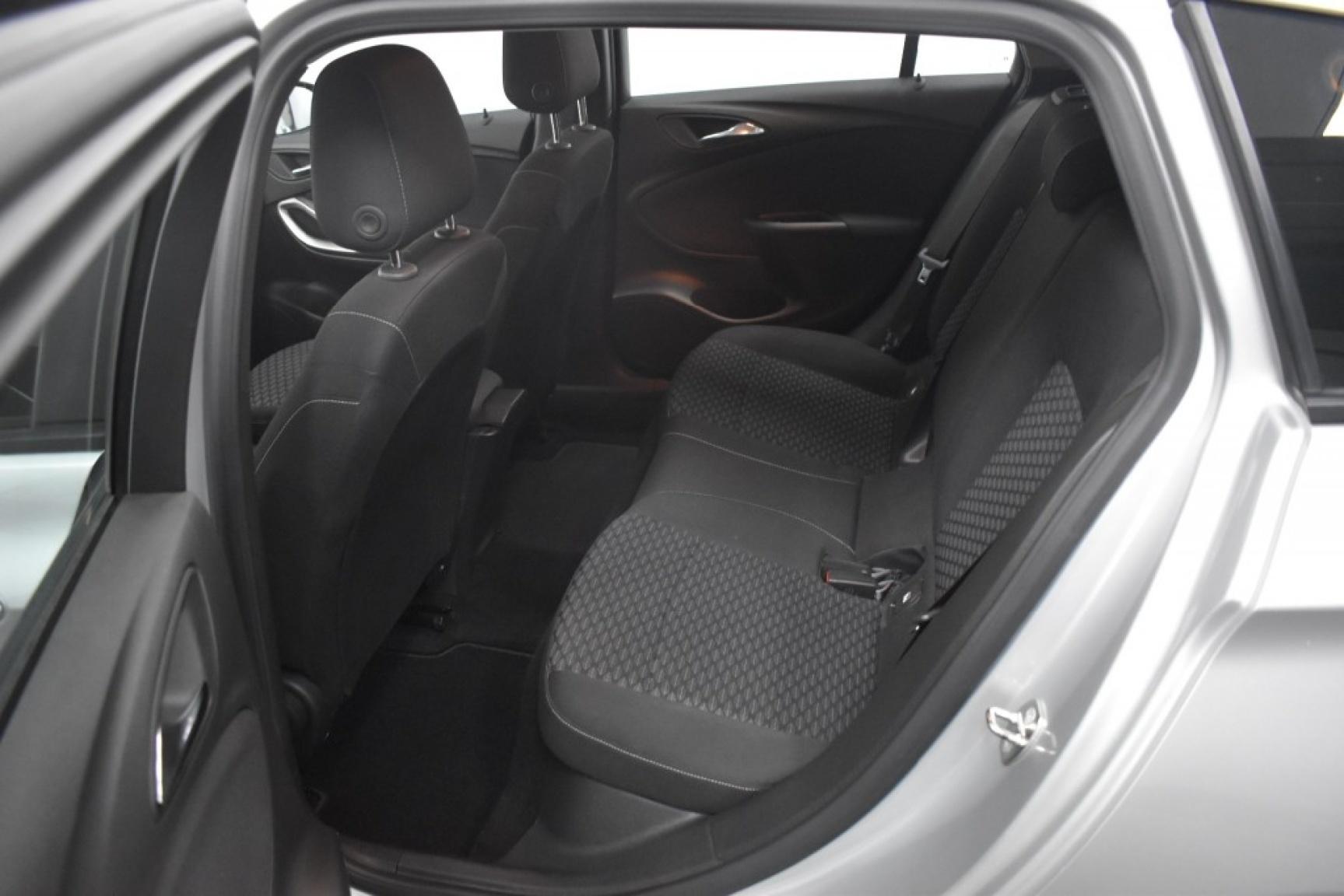 Opel-Astra-8