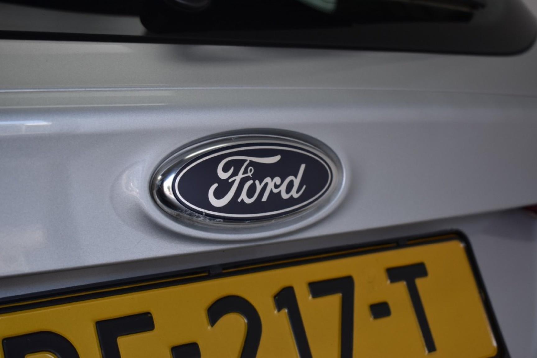 Ford-Focus-37