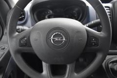 Opel-Vivaro-12