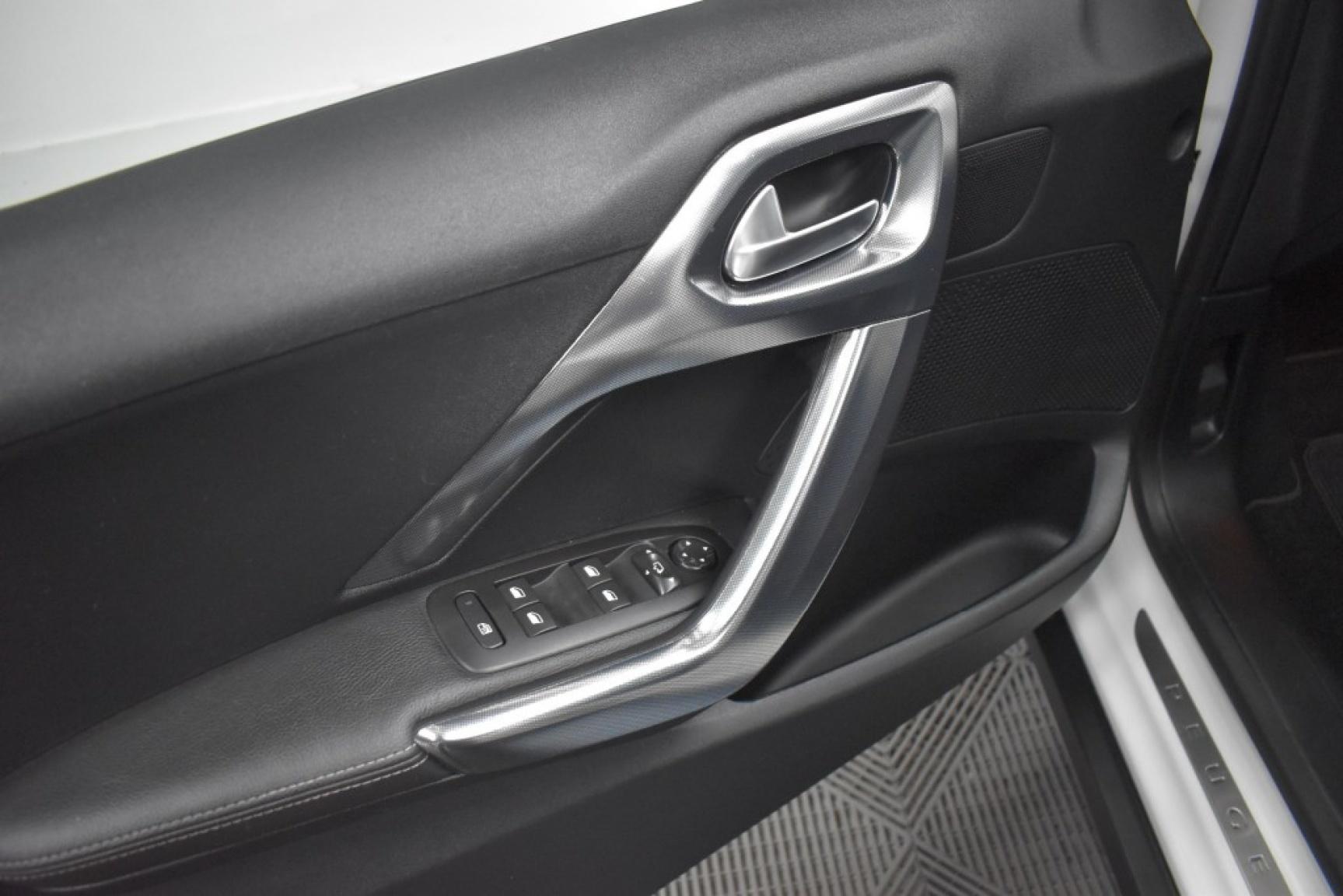 Peugeot-2008-39